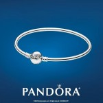 pandora-dainty-bow-bangle
