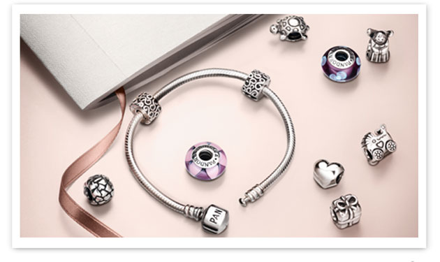 Pandora's Iconic Gift Set back for good