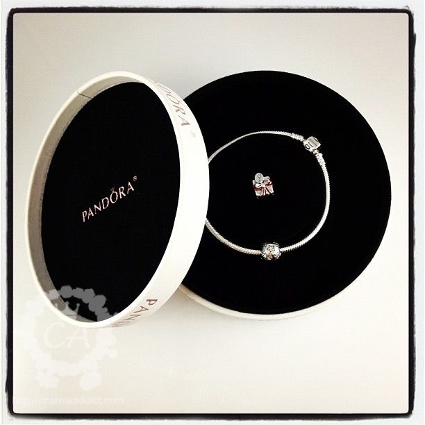 Pandora Black Friday Charm – A Precious Gift