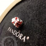 pandora-black-friday-charm2