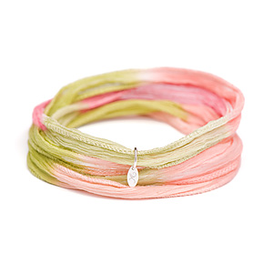 novobeads-wild-rose-silk-wrap