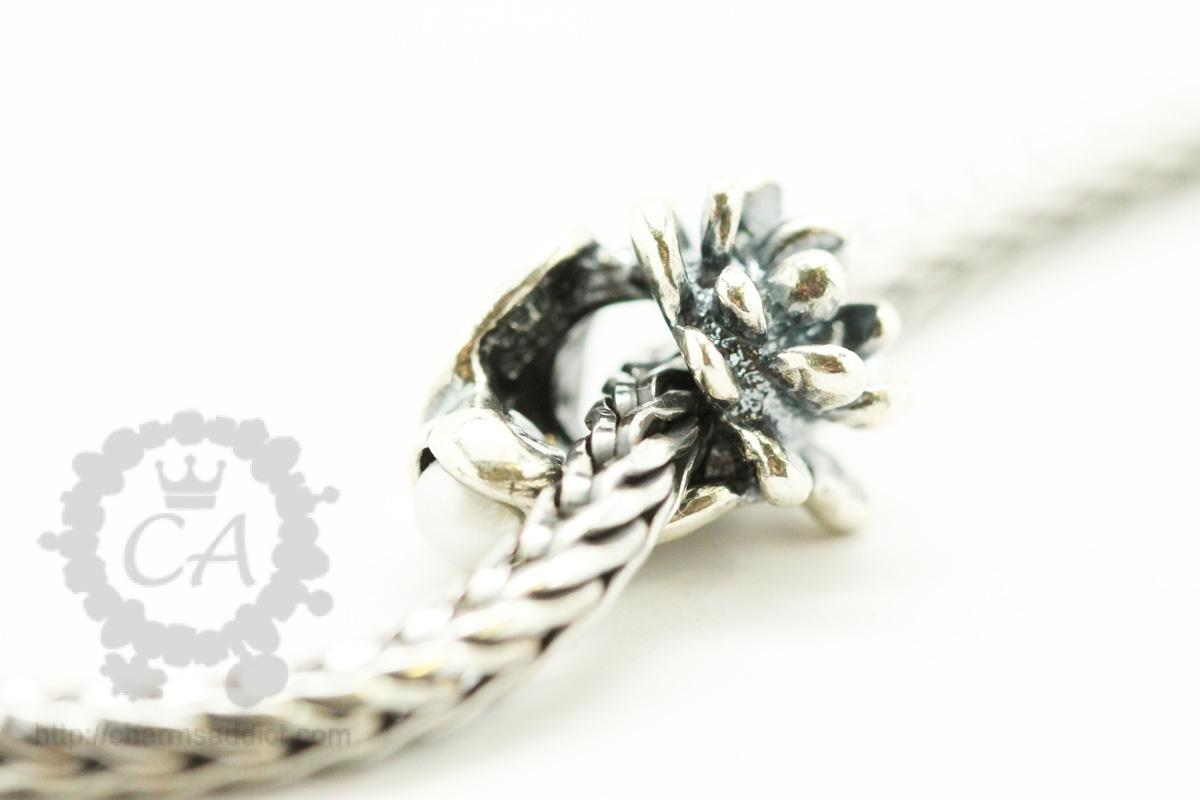 Trollbeads flowers of the month review part iii july to september trollbeads waterlilies of july5 izmirmasajfo Gallery