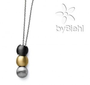 bybiehl-necklace-cover