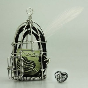 ohm-beads-love-cage-packaging