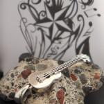 redbalifrog-peace-guitar1