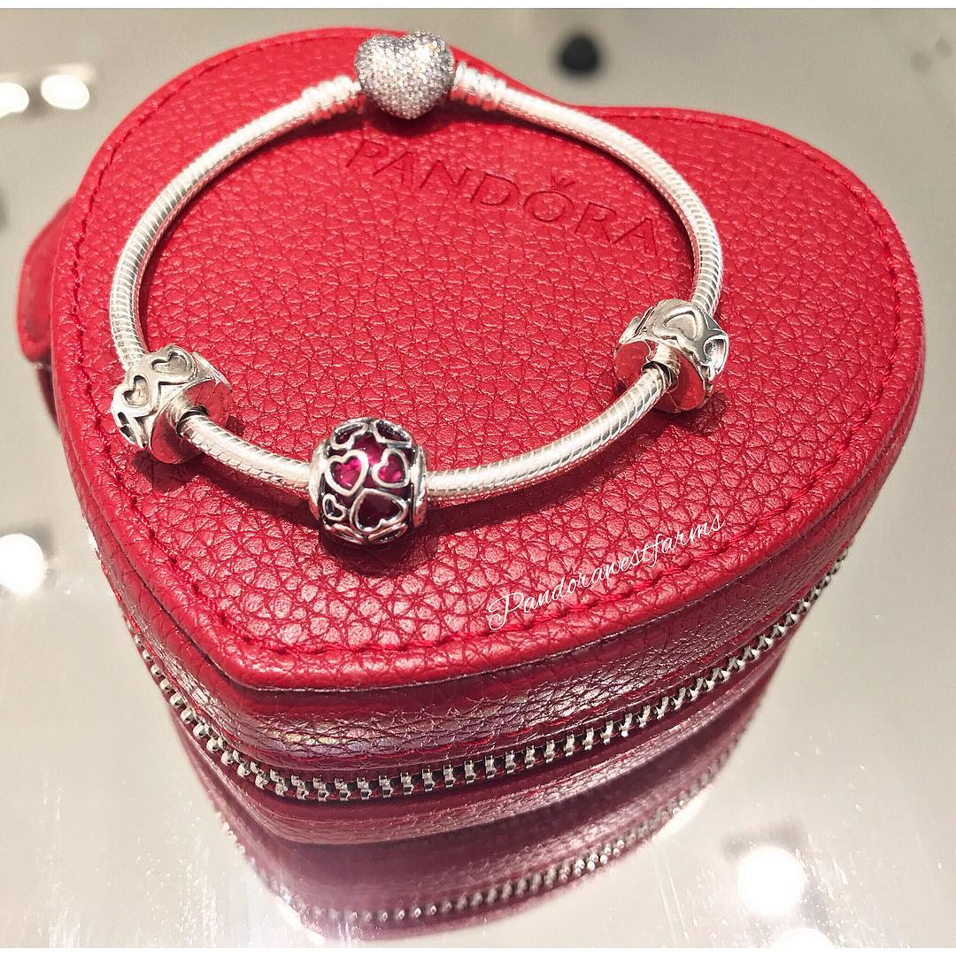 pandorawestfarms - Valentines Day Bracelet